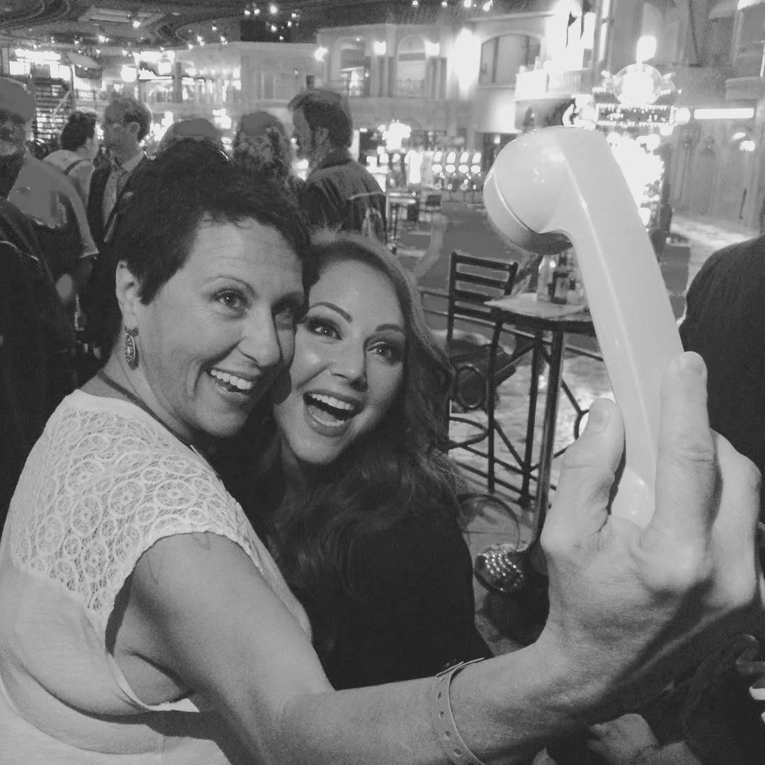selfie_CkrXELnUgAAhF4V.jpg