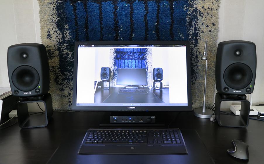 tietokonepöytä.jpg